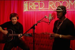 "Ne-Yo Performs An Acoustic Cover Of Nick Jonas' ""Jealous"": Watch"