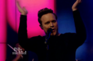 "Olly Murs Performs ""Wrapped Up"" On 'Live With Kelly & Michael': Watch"