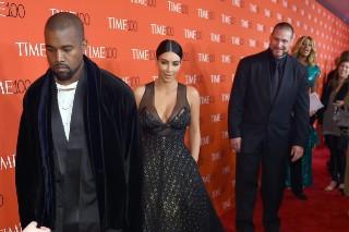 Watch Amy Schumer Photobomb An Unimpressed Kanye West And Kim Kardashian: 6 Photos