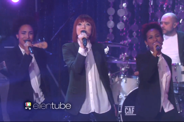 Carly rae jepsen i really like you live ellen degeneres show performance - Ellen show live ...