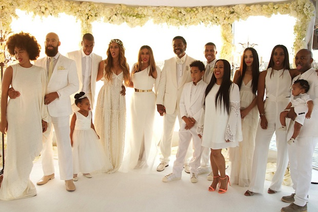 beyonce shares moments from mama tina knowles� wedding 20