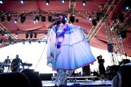 Coachella 2015: Kimbra Wowed The Gobi Tent (12 Pics)