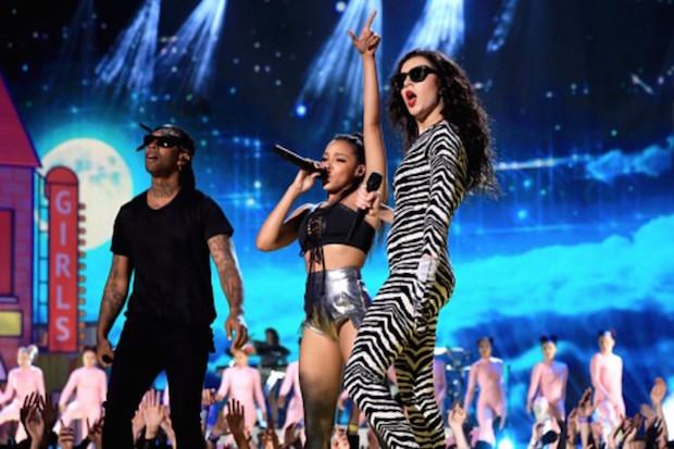 Watch Madonna Kiss Drake On Stage At Coachella 2015