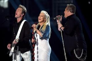 Christina Aguilera & Nick Jonas Perform At The ACM Awards 2015: Watch