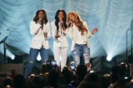 "Destiny's Child Perform ""Say Yes"" At The 2015 Stellar Awards: Watch"