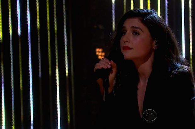 "Jessie Ware Performs ""Say You Love Me"" On 'Late Late Show With James Corden': Watch"