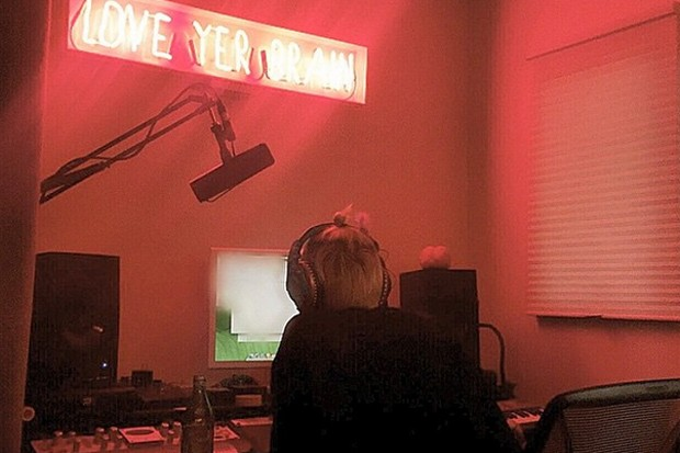miley-cyrus-studio