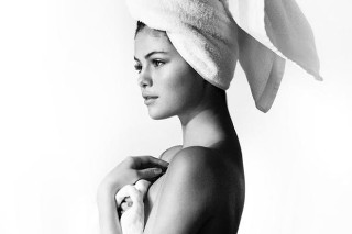 "Selena Gomez Strips Off For Mario Testino's ""Towel Series"": See The Stunning Pic"