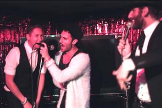 "Smallpools Perform ""Karaoke"" In A Karaoke Bar: Idolator Premiere"