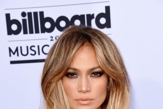 Jennifer Lopez Is Ultra-Sexy At The 2015 Billboard Music Awards
