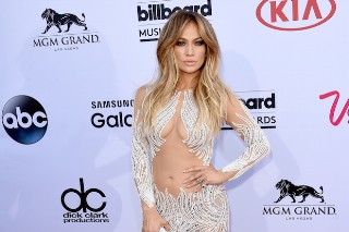 Billboard Music Awards 2015: Jennifer Lopez Is Sexy In A Semi-Nude Dress On The Red Carpet