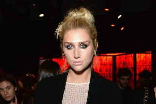 Kesha Swaps Out Glitter & Internet Trolls With Nail Art And Meditation