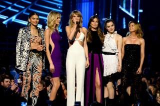 2015 Billboard Music Awards: Review Revue