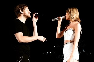 Taylor Swift Brings Out Imagine Dragons At Detroit Concert: Morning Mix