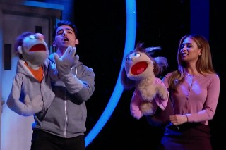 "'I Can Do That': Joe Jonas & Nicole Scherzinger Perform ""It Sucks To Be Me"" While Ciara Does A Split"