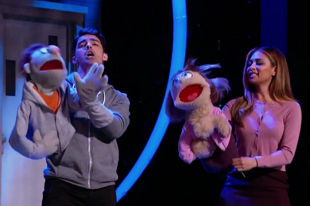 Joe Jonas Nicole Scherzinger I Can Do That It Sucks To Be Me Avenue Q