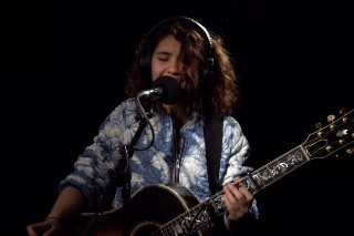 """Taylor Swift's """"Bad Blood"""" Covered By Alessia Cara: Watch"""