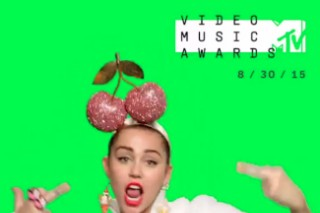 Watch Miley Cyrus Flip Off The Camera In New MTV VMAs Promo