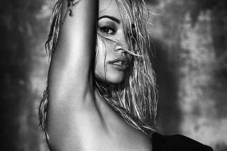 "Rita Ora Goes Topless To Promote New Single ""Body On Me"": 4 Sexy Pics"
