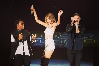 Taylor Swift Brings Out MKTO At Boston '1989' Concert: Watch