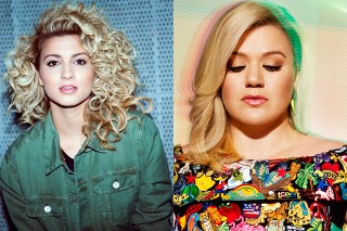 "Kelly Clarkson Covers Tori Kelly's ""Nobody Love"" On The Opening Night Of Her 'Piece By Piece' Tour"
