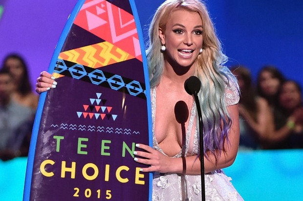 Britney Spears 2015 Teen Choice Awards boobs nudity winner