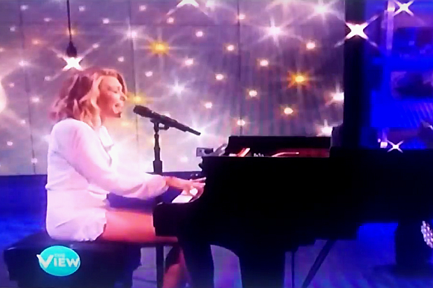 """Rachel Platten Brings Her """"Fight Song"""" To 'The View', Meets Children Inspired By Her Hit"""