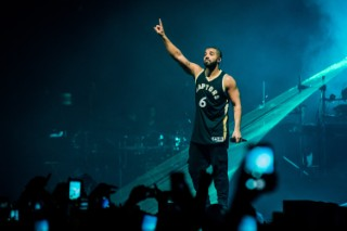 Tidal Accuses Apple Music Of Stopping Drake's Lil Weezyana Fest Set From Being Broadcast: Morning Mix