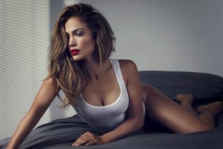 "Jennifer Lopez's New Single Has A ""Latin Flair"" And Could Arrive In The Next Few Days"