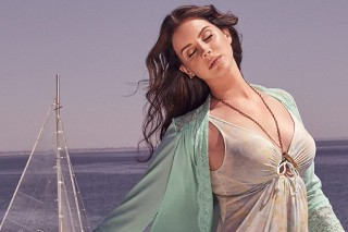 """Lana Del Rey Seems Unbothered By """"High By The Beach"""" Chart Error, Reveals New 'Honeymoon' Song Title"""