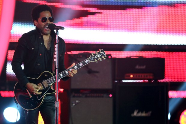 lenny kravitz perform