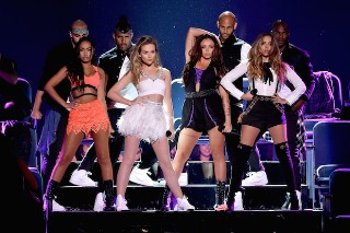 Teen Choice Awards 2015: Watch Performances From Little Mix, 5 Seconds Of Summer, Flo Rida & More