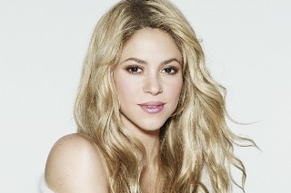 "Shakira Announces New Song ""Try Everything"""