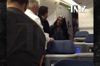 "Azealia Banks Gets Into Fight On Plane, Calls Flight Attendant A ""Fucking Faggot"": Watch"