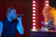 "'The Muppets': Watch Imagine Dragons Perform ""Roots"" On 'Up Late With Miss Piggy'"