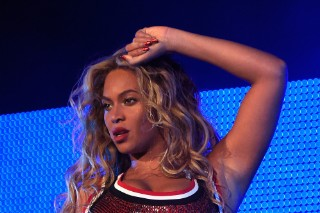 Beyoncé Is A Grown Ass Woman At Made In America 2015: See 11 Pics