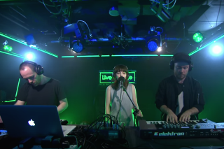 """Chvrches Cover Justin Bieber's """"What Do You Mean?"""" For BBC Radio 1 Live Lounge: Watch"""