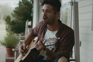 "Ben Haenow & Kelly Clarkson's ""Second Hand Heart"": Watch The Emotional Video"