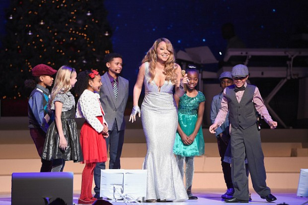 Mariah Carey Christmas concerts show Beacon Theatre New York City 2014