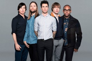 Maroon 5 To Play Super Bowl 2016 Halftime Show? Don't Act So Surprised