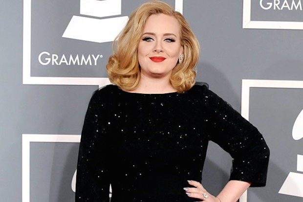 adele-red-carpet-grammys-2013-620x413