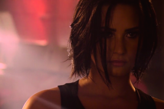 """Demi Lovato Teases Sultry """"Confident"""" Video: Watch A Preview"""