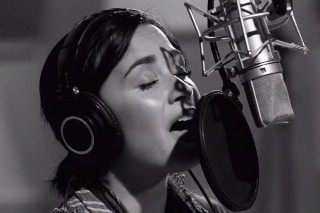 Demi Lovato Performs A Stunning Live Version Of New Ballad
