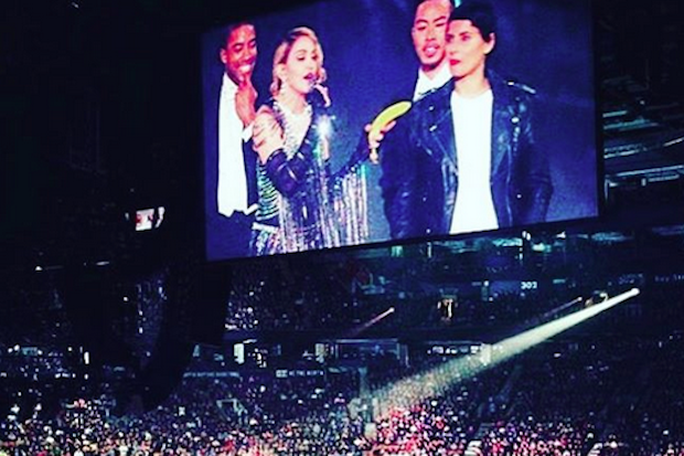 madonna-nelly-furtado-rebel-heart-concert-banana-2015
