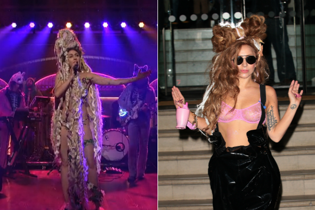 miley-cyrus-lady-gaga-mermaid-hair