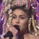 Miley Performs On 'SNL'