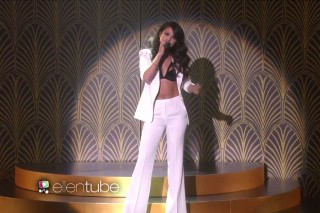 """Selena Gomez Performs """"Same Old Love"""" On 'The Ellen Show': Watch"""