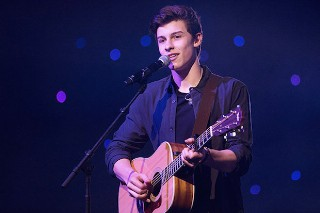 """Shawn Mendes Covers Justin Bieber's """"What Do You Mean?"""" & Squashes Pseudo-Feud: Listen"""