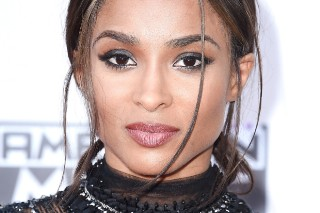American Music Awards 2015: Ciara Is A Flawless Goddess And We're Not Worthy