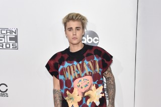 Justin Bieber Cancels Thanksgiving Day Parade Performance & 'Colbert' Appearance